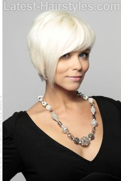 Platinum Blonde Cropped Hairtstyle with Shine