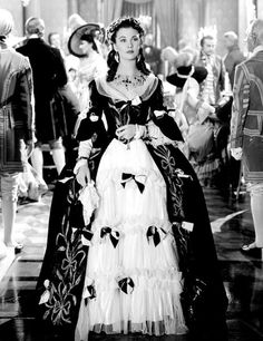 vivien leigh in a beautiful gown
