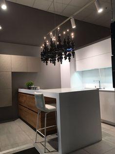 Schröder, кухни с барной стойкой, белые кухни, дуб, Ilfari, фирхаус