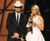 Most hilarious skit ever - Brad Paisley, Carrie Underwood play Barbies: Faith Hill, Tim McGraw in stitches