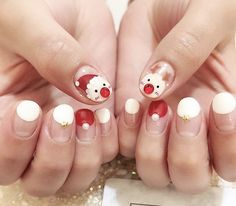 Christmas Nails Like Red and White We Mix and Match Xmas Nails, Christmas Nail Art, Red Nails, Christmas Wreaths, Korean Nail Art, Korean Nails, Xmas Nail Designs, Nail Art Designs, What Is Christmas