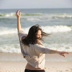 Leveza! #praia #beach #riodejaneiro #sea #beiramar #litoral #nikon #nikond3300 #nikonphotography #rioetc #carioquissimo #vejario #olharescariocas #rioeuamoeucuido #cariocandonorio #rio365 #ig_riodejaneiro_ #leveza #liberdade #freedom #familia #family #lightness