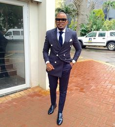Монки. Gq Mens Style, Gq Style, Mode Style, Mens Fashion Suits, Mens Suits, Nigerian Men Fashion, Blue Suit Men, Gentlemen Wear, Classy Suits