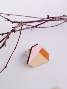 geometrischer Holzring  sechseckig kupfer/rosa von FLAMINGO CAT auf DaWanda.com  geometrischer Ring, geometric design, scandinavian design, hipster, YOLO, Holzring, Holzschmuck