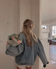 Aesthetic Hair, Aesthetic Clothes, Blonde Aesthetic, Aesthetic Outfit, Summer Aesthetic, Photographie Portrait Inspiration, Jugend Mode Outfits, Brown Blonde Hair, Blonde Honey