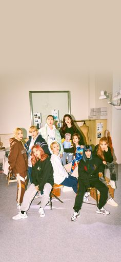 Tzuyu Wallpaper, Sea Wallpaper, Lock Screen Wallpaper, Pattern Wallpaper, Music Cover Photos, Music Covers, Nayeon, Kpop Girl Groups, Kpop Girls