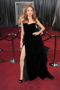 OSCAR 2012, Angelina Jolie    LOVE HER DRESS AND HAIR COLOUR!!