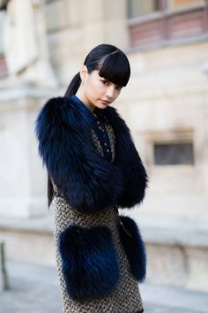 More of the Best Street Style From Paris Fashion Week : Oh dang, that color! Street Style Edgy, Edgy Style, Cool Street Fashion, Paris Fashion Week 2016, Women's Summer Fashion, Autumn Fashion, New Fashion Clothes, Fashion Outfits, Fashion Edgy