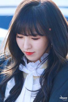 [allkpop] idols that people cal them ugly! Seulgi, Beautiful Asian Women, Amazing Women, South Korean Girls, Korean Girl Groups, Huff And Puff, Wendy Red Velvet, Kim Yerim, Small Faces