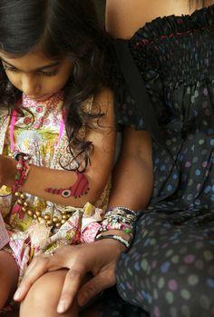 Ramya Giangola's beachy bracelets   http://www.theglow.com/ramya-giangola/?i#34