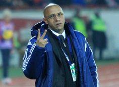 辞任から約2週間、ロベルト・カルロス氏がトルコでスピード再就職 | サッカーキング
