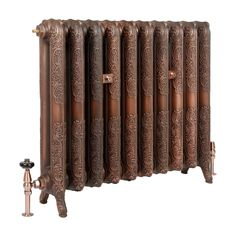 Our most premium finish to date. The Aged Copper finish on the Queen 760mm cast iron radiator. Perfect for this autumn. #copper #radaitors #autumn