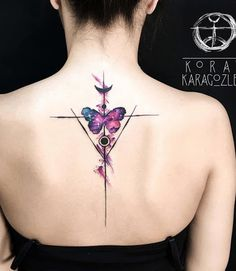 Lebhafte Aquarell Tattoos von Koray Karagozler - Tattoo Motive - Sophie World Watercolor Butterfly Tattoo, Butterfly Tattoo Cover Up, Butterfly Tattoos For Women, Butterfly Tattoo Designs, Best Tattoo Designs, Watercolor Tattoos, Flower Watercolor, Henna Butterfly, Watercolor Artists