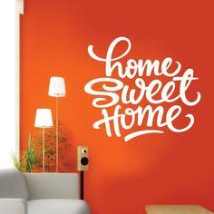 """Adesivo Murale - Casa Dolce Casa.  Adesivo murale di alta qualità con pellicola opaca di facile installazione. Lo sticker si può applicare su qualsiasi superficie liscia: muro, vetro, legno e plastica.  L'adesivo murale """"Casa Dolce Casa"""" è ideale per decorare la vostra camera o soggiorno. Adesivi Murali."""