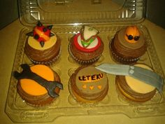 We may try to make these Team Fortress 2 Cupcakes. 2 Birthday Cake, 11th Birthday, Birthday Parties, Team Fortress 2, Tf2 Memes, Video Games Funny, Cake Designs, Fun Food, Videogames