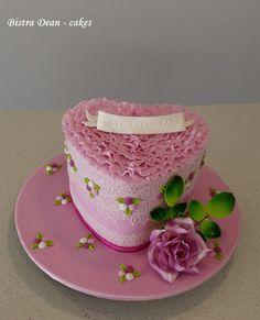 St. Valentine's heart ...  - Cake by Bistra Dean