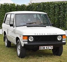 Celebrating our heritage at the #GoodwoodRevival this weekend, starting with this immaculate 1979 #RangeRover.