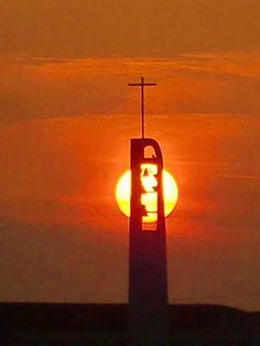 夕陽に映える立教大学のチャペルが凄い