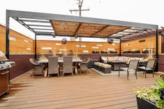 Real Estate Photography - 3734 North Bosworth Ave, Chicago, IL, 60613 - Roof Deck - huge outdoor area with Trax decking