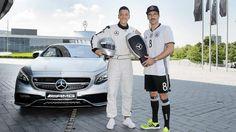 Serie in BILD: Nationalelf intim | Özil: Mercedes mit PlayStation - Fussball - Bild.de