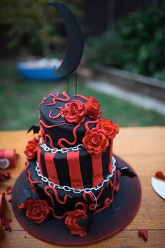 Wedding Cake Designs, Wedding Cakes, Beetlejuice Wedding, Black Red Wedding, Bike Wedding, Crazy Cakes, Halloween Cakes, Gothic Wedding, Creative Cakes