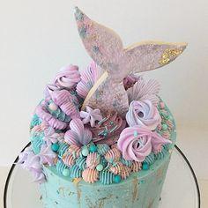 @zizou_cake_boutique #mermaidcake