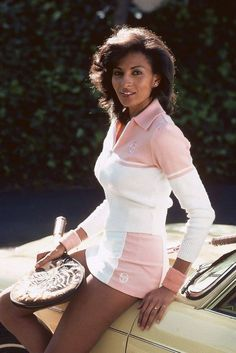 Grier pictured in her tennis gear in (Photos by Moneta Sleet Jr.) -Pam Grier pictured in her tennis gear in (Photos by Moneta Sleet Jr.) - Image of kasley Halle Berry poster, mousepad, t-shirt, florence joyner Afro, Sexy Women, Tennis Gear, Vintage Black Glamour, Vintage Glam, Vintage Beauty, Candid Photography, Fashion Photography, Perfect Image