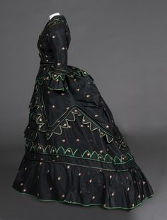 Day dress. c.1870. Gift of Anne Stampfer. FIDM Museum Collection. Photo by Brian Sanderson. Copyright FIDM Museum.