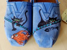 Lifestyle Magazine by Cats, for Cats and Cat Lovers Cat Shoes, Painted Shoes, Your Shoes, Lady, Cat Lovers, Toms, Creations, Trending Outfits, My Style