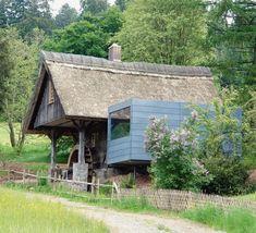 Historische Mühle von 1834 mit modernem Anbau bei St. Georgen im Schwarzwald