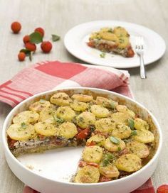 Tortiera di patate e acciughe