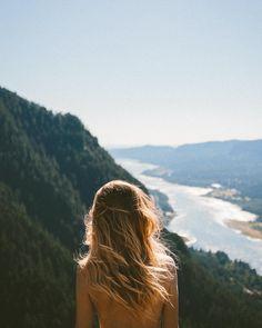 Ik hou ervan om even stil te staan en te kijken naar wat het moment je doet waarnemen in jezelf, buiten jezelf.