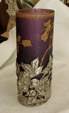Legras/Montjoye  &  Victor Saglier.Vase aux roses de Noël.Art-nouveau.H=19,80cm, Antiquités La Légende, Proantic