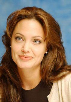 Photos – Angelina Jolie, 38 looks pour ses 38 ans