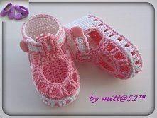 Braga de ganchillo 9 a 12 meses Lauren patrón Crochet Baby Boots, Crochet Baby Sandals, Booties Crochet, Baby Girl Crochet, Crochet Baby Clothes, Crochet Shoes, Crochet Slippers, Crochet For Kids, Knit Crochet
