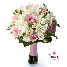 Pretty Wedding Dresses, Wedding Flower Girl Dresses, Bridal Flowers, Flower Bouquet Wedding, Pink Flowers, Wedding Flower Arrangements, Flower Centerpieces, Wedding Centerpieces, Brides And Bridesmaids