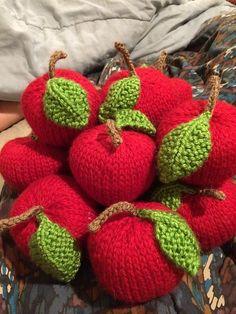 Ravelry: jenniferkm's Apple Knitting Pattern
