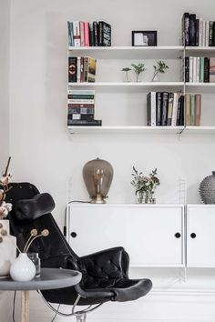 Stylish and cosy nursery in subtle shades of grey - Paul & Paula String Shelf, Red Play, Magical Room, Apartment Living, Living Room, Cotton Ball Lights, Bright Rooms, Swedish House, Shades Of Grey