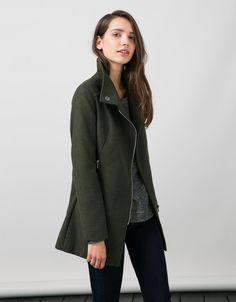 BSK high neck side zipper basic mouflon coat. Discover this and many more items in Bershka with new products every week
