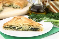 Spinach is the standout in these two recipes. The spinach terrine is suitable as a first course or as part of a party buffet, where it can be served with crackers or rounds of baguette, while the Italian spinach pie makes a savoury starter dish. Spinach Pie, Spinach Recipes, Broccoli And Cheese, Vegetable Recipes, Greek Recipes, Light Recipes, Pie Recipes, Appetizer Recipes, Cooking Recipes