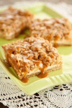 Caramel Apple Cheesecake Bars with Streusel Topping #pauladeen