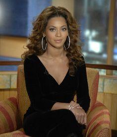 Beyoncé at Good Morning America in NYC December 2016.