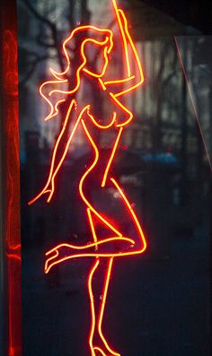 Why I'm getting naked for people Pop Art Drawing, Line Drawing, Art Drawings, Marilyn Monroe Painting, Silhouette Clip Art, Cartoon Silhouette, Pinstriping Designs, Garage Art, Beautiful Fantasy Art