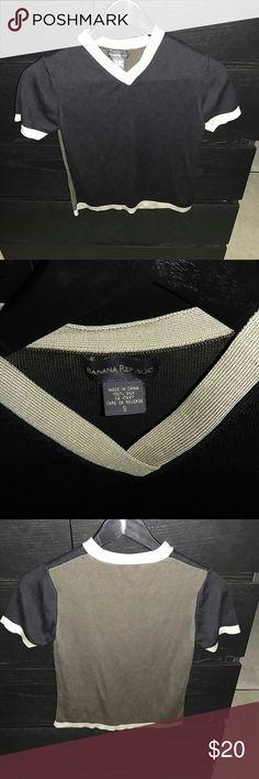 Banana Republic short sleeve knit top Sz S. Great condition. No defects. Stops above belt. Banana Republic Tops Blouses