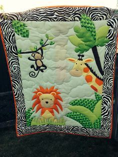 A jungle quilt I made Baby Quilts Easy, Baby Patchwork Quilt, Baby Girl Quilts, Kid Quilts, Baby Boy Quilt Patterns, Applique Quilt Patterns, Elephant Quilt, Baby Applique, Animal Quilts