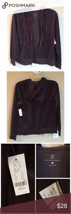✔️NEW LIST✔️ NWT New York & Co Velour Brown Zip Up NWT New York & Co Velour Brown Zip Up Similar to a Juicy Couture Zip Up Hoodies  Soft, comfy and cute Drawstring at hoodie, side pockets   New w/ Tags, never worn  Size M 80% Cotton, 20% Poly  If you would like to make an offer, please use the 'Offer' feature  ⟨10% off 2+ bundles ≫ One time shipping fee⟩ NO trades New York & Company Tops Sweatshirts & Hoodies