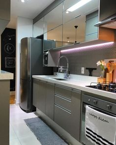More information about fantastic kitchen cabinets Do it yourself … – Gray Espresso Kitchen Cabinets Espresso Kitchen Cabinets, Small Kitchen Cabinets, Kitchen Cabinet Handles, New Kitchen, Awesome Kitchen, Kitchen Shelves, Small Modern Kitchens, Modern Kitchen Design, Interior Design Kitchen