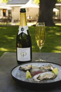#GrandeProvence #Oysters&MCC #GP_OysterBar South African Wine, Wine Country, Oysters, White Wine, Provence, Alcoholic Drinks, Glass, Beautiful, Drinkware