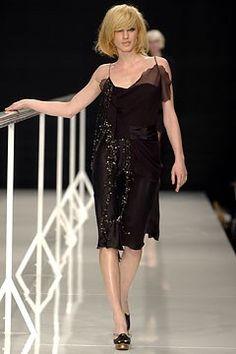 Moschino Fall 2002 Ready-to-Wear Fashion Show - Natasa Vojnovic