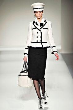 Moschino Fall / Winter 2011-2012  photo originally from Vogue